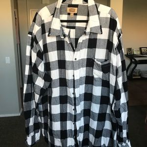 Other - Black and white long sleeve flannel shirt